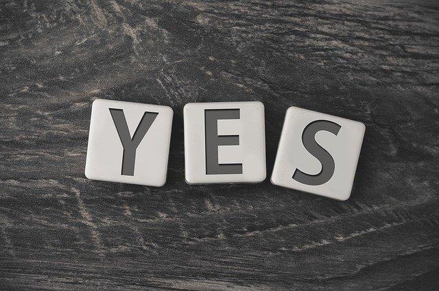 אמרו כן ו.. מערכוני אימפרוביזציה